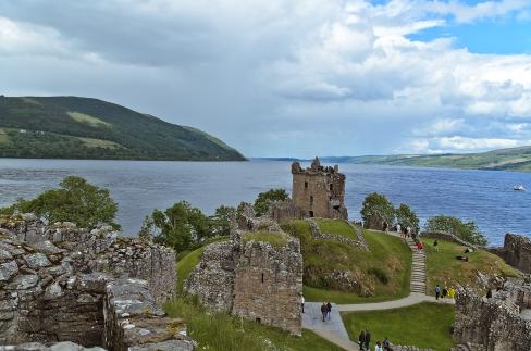 Scotland: Loch Ness: Urquhart Castle