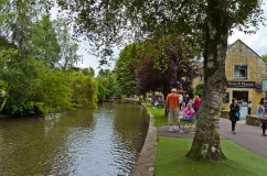 Cotswolds, England: Bourton on the Water