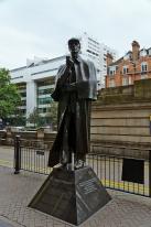 London, England: Sherlock Holmes statue on Baker Street