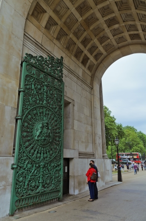 London, England: Wellington Arch