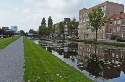 Amsterdam, The Netherlands: Canal across from my hotel.