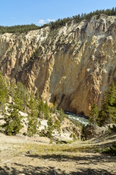 Grand Canyon of the Yellowstone: View from Red Rock Point Trail